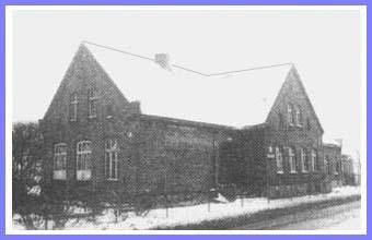 Stara szkoła wDubielnie wybudowana wlatach 1835-1840